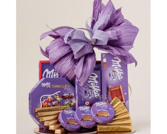 Kosz prezentowy zestaw ze słodyczami Milka