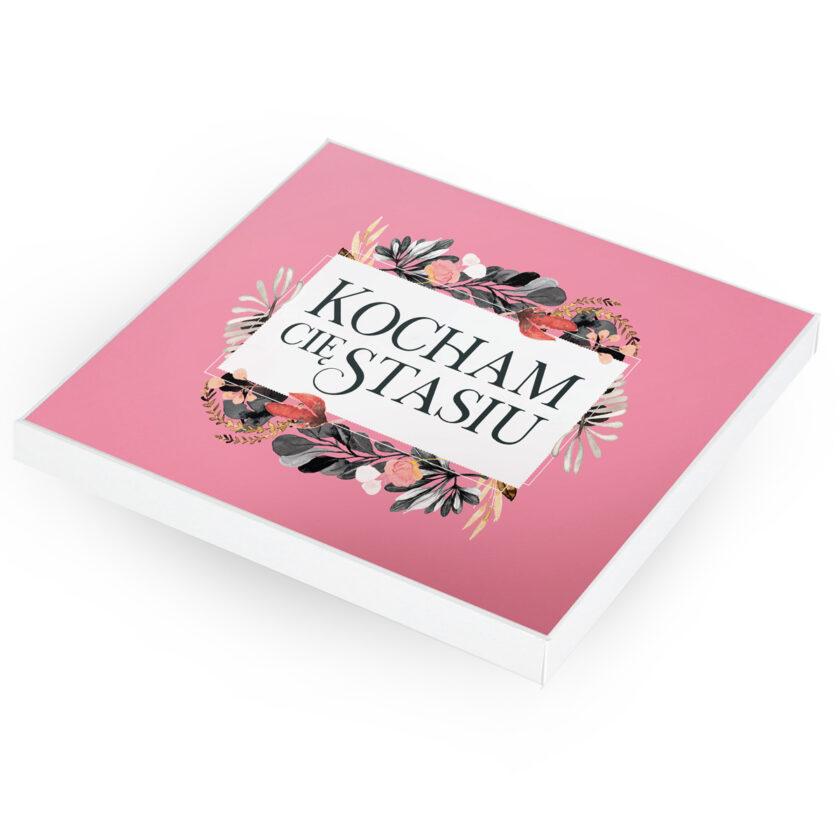 Spersonalizowana bombonierka z krówkami - prezent na Walentynki
