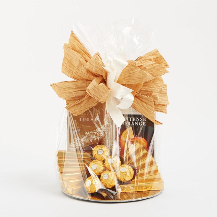 Kosz prezentowy ze słodyczami Lindt
