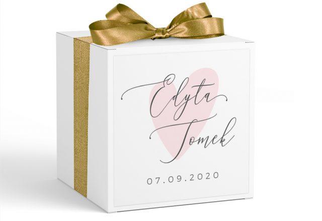 Pudełko z krówkami dla gości weselnych