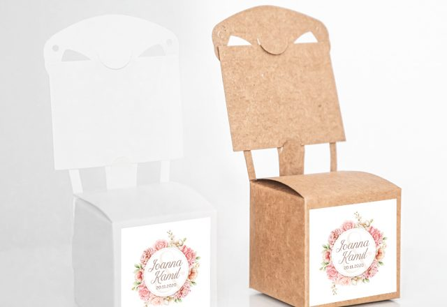 Pudełko krzesełkowe z krówkami dla gości weselnych